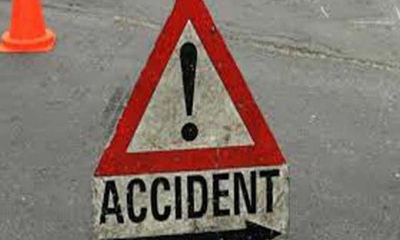 54-year-old killed, 8 injured injured in accident on highway