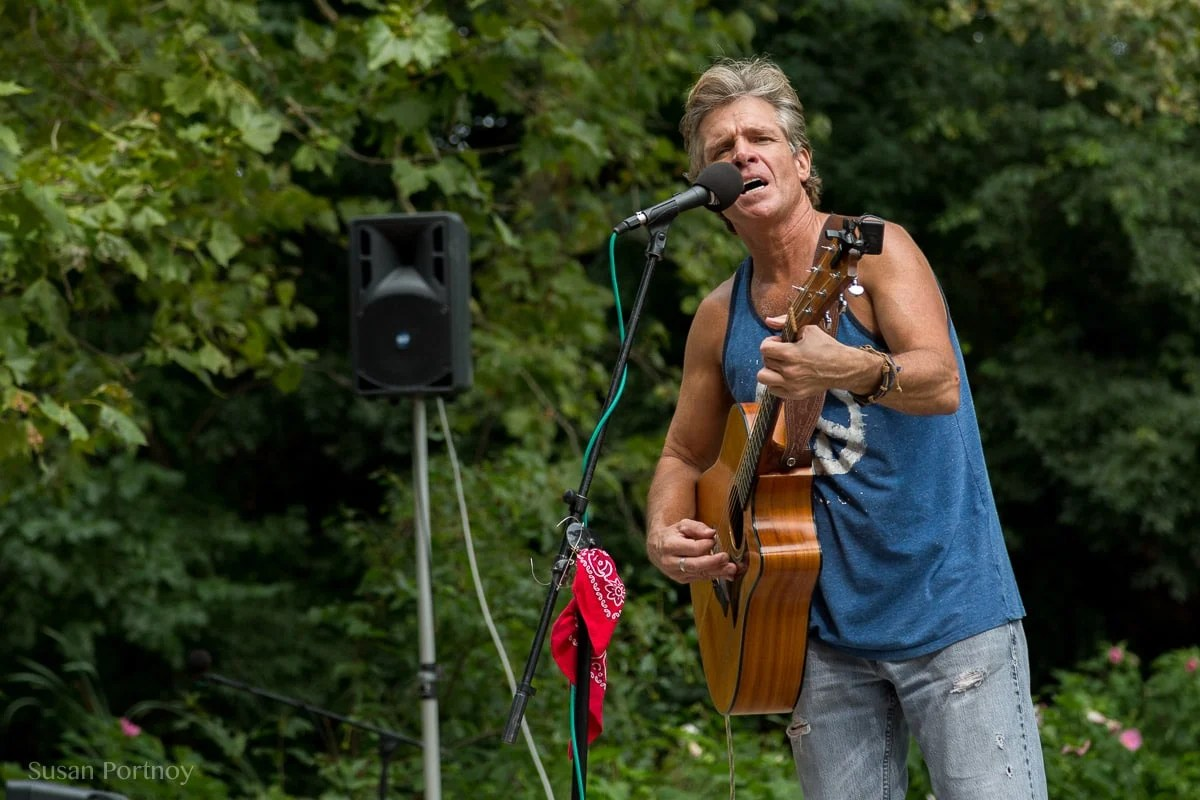A New York City Gem: David Ippolito, The Guitar Man from Central Park