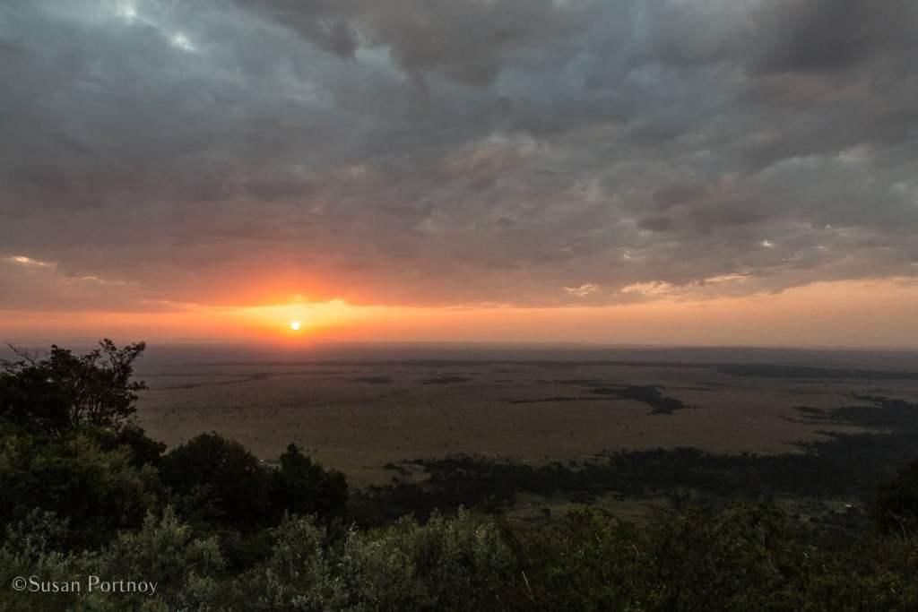 Overlooking the Masai Mara-Kenya Safari Lodges with Spectacular Views -8578