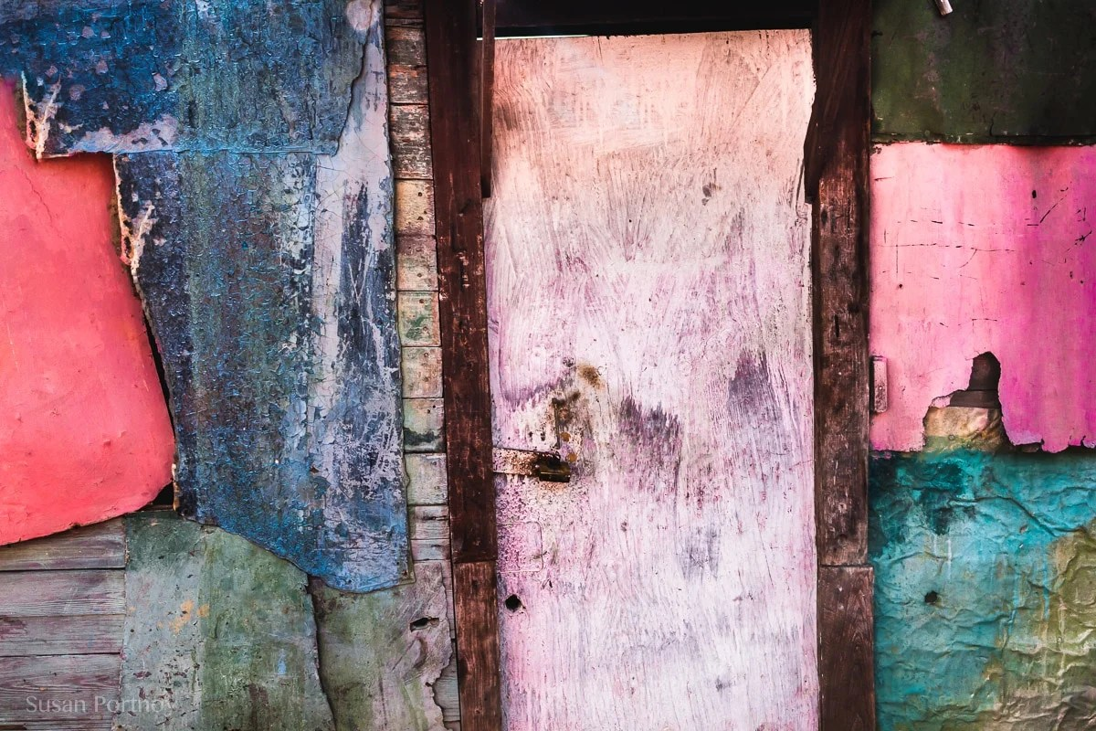 Photographing graphics and abstracts in cojimar, cuba-984905