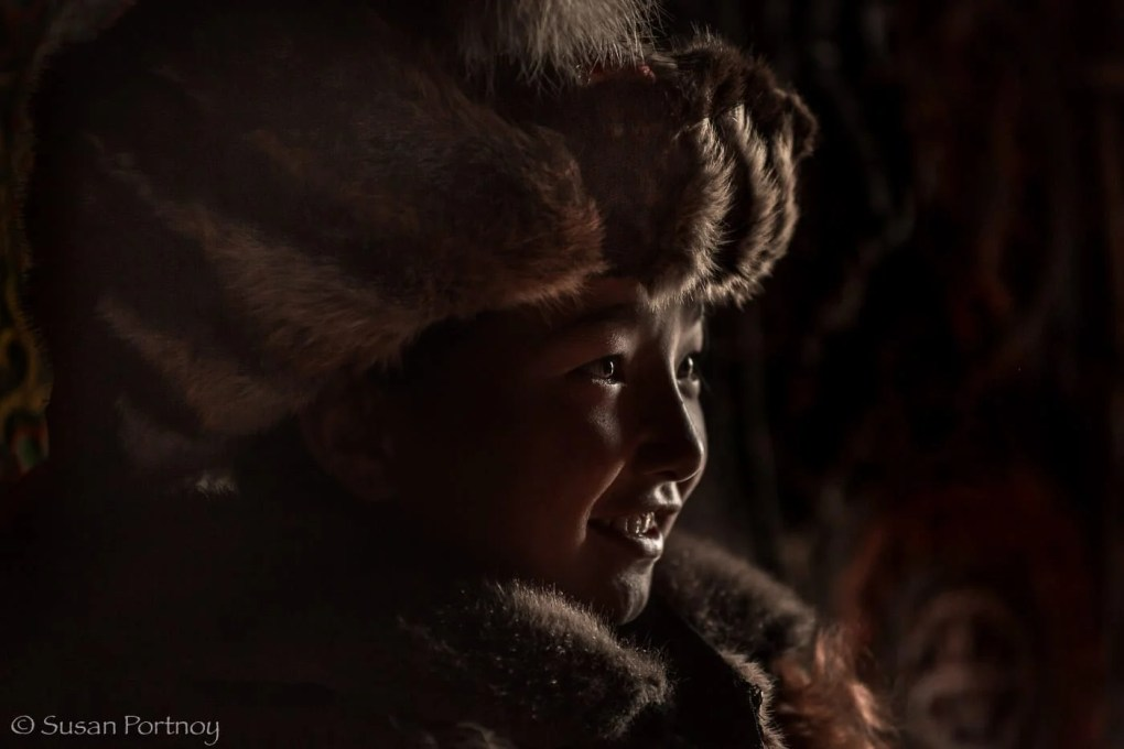 Portrait-of-Shohan the eagle-hunter's daughter -in-mongolia