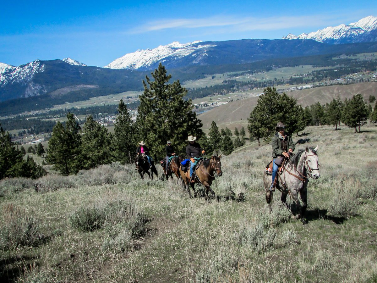 Horse back riding in Montana