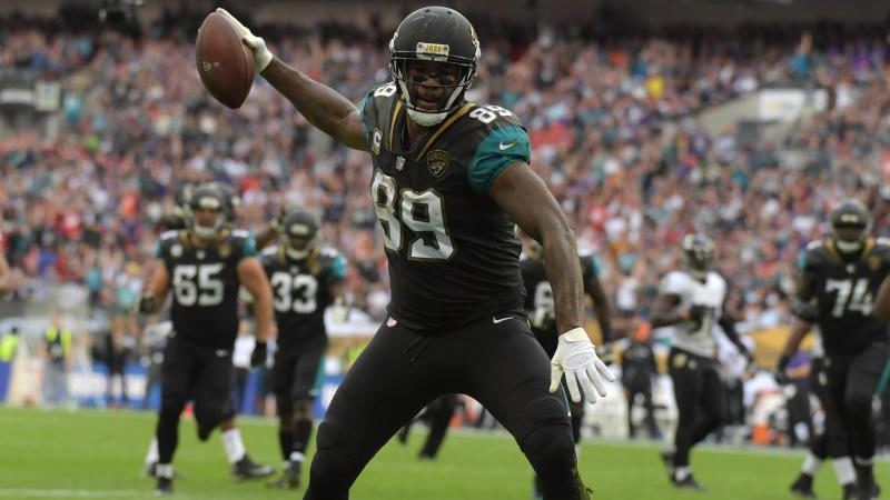Three NFL Teams That Could Use Marcedes Lewis