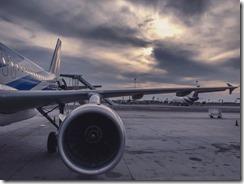 7 Best Ways to Survive a Long-Haul Flight