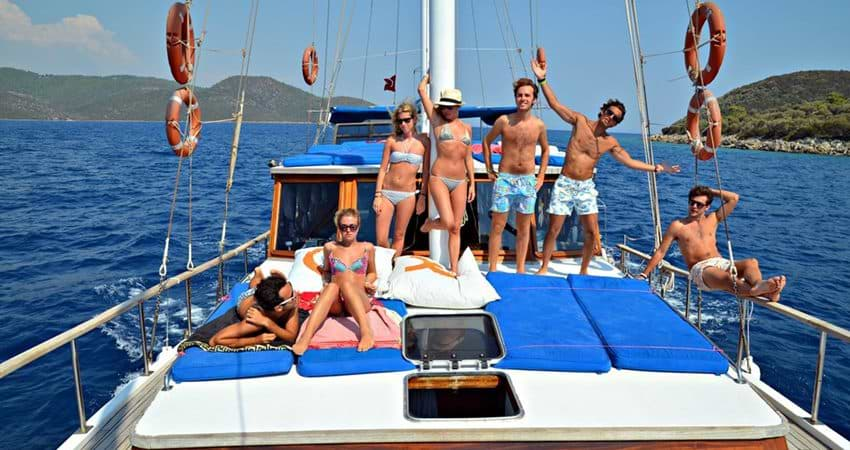 Bodrum Private Boat Tour with Lunch