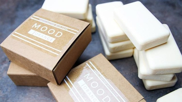 Compostable clear labels