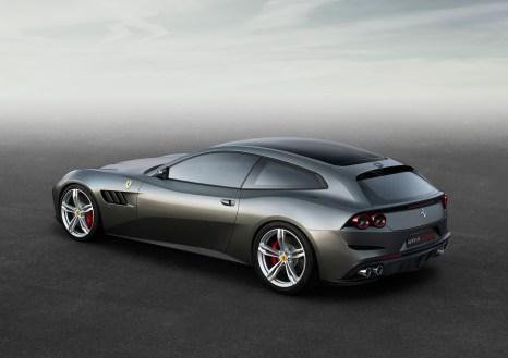 Ferrari_GTC4Lusso_side_r_high_LR