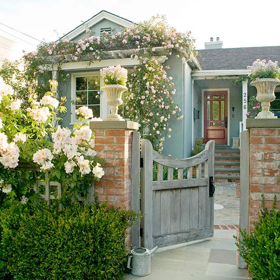 Best Flowers Colonial Style House