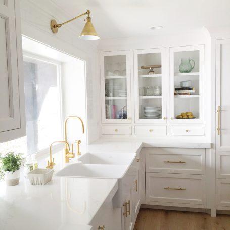 White-Gold-Kitchen-Design-by-Studio-McGee