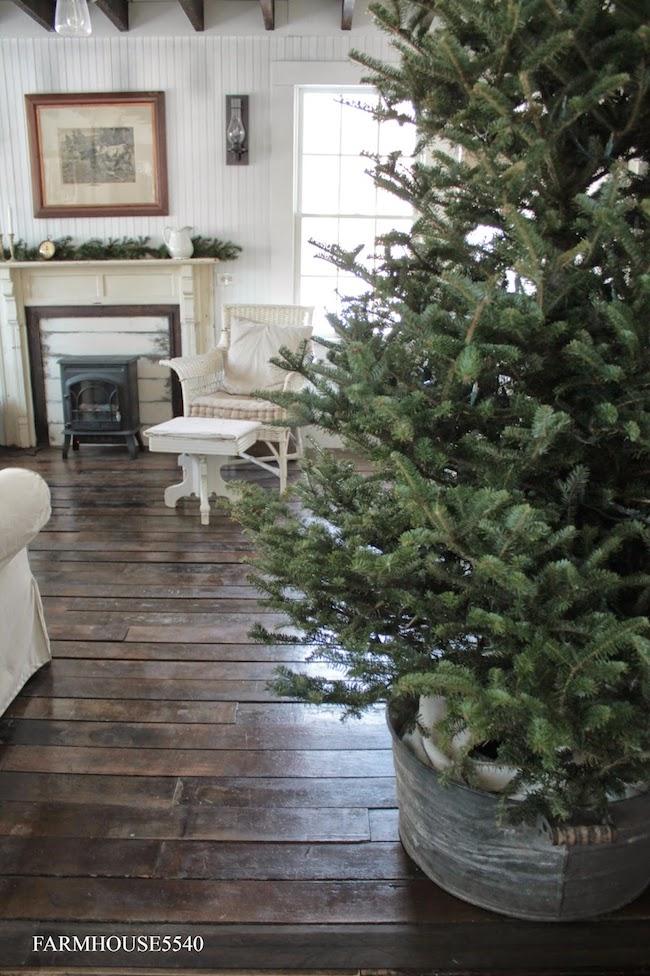 A Bit Of Farmhouse Galvanized Amp Zinc Christmas Decor The Inspired Room
