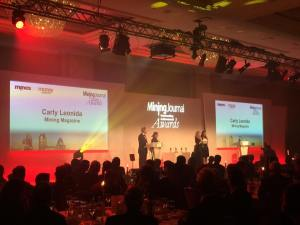 Presenting an award at the Mines and Money Oustanding Achievements dinner in 2016. Copyright: The Intelligent Miner