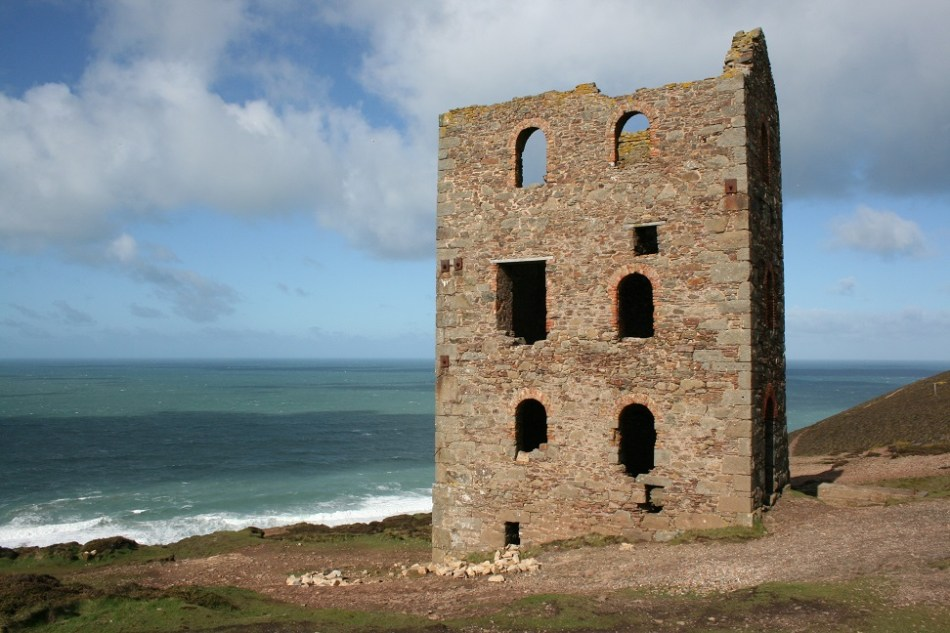 Mine workings at Wheal Coates date back to 1692. Copyright: The Intelligent Miner