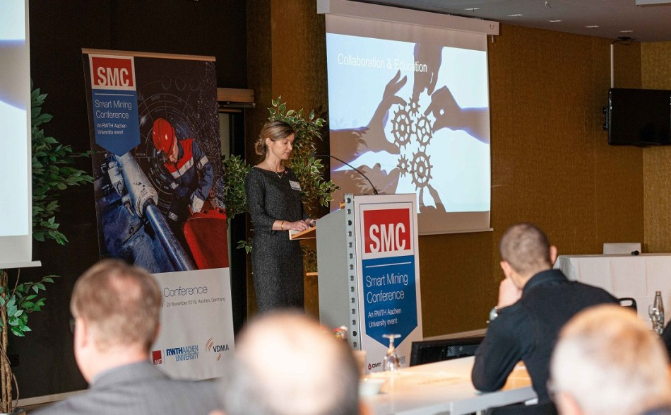 AMT's director, Dr Elisabeth Clausen, delivers the Smart Mining Conference welcoming address.