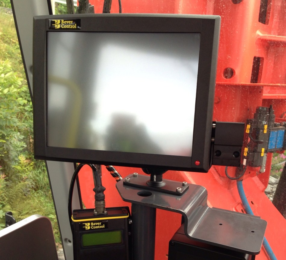 JLT computer installed in a machine. Image: Bever Control