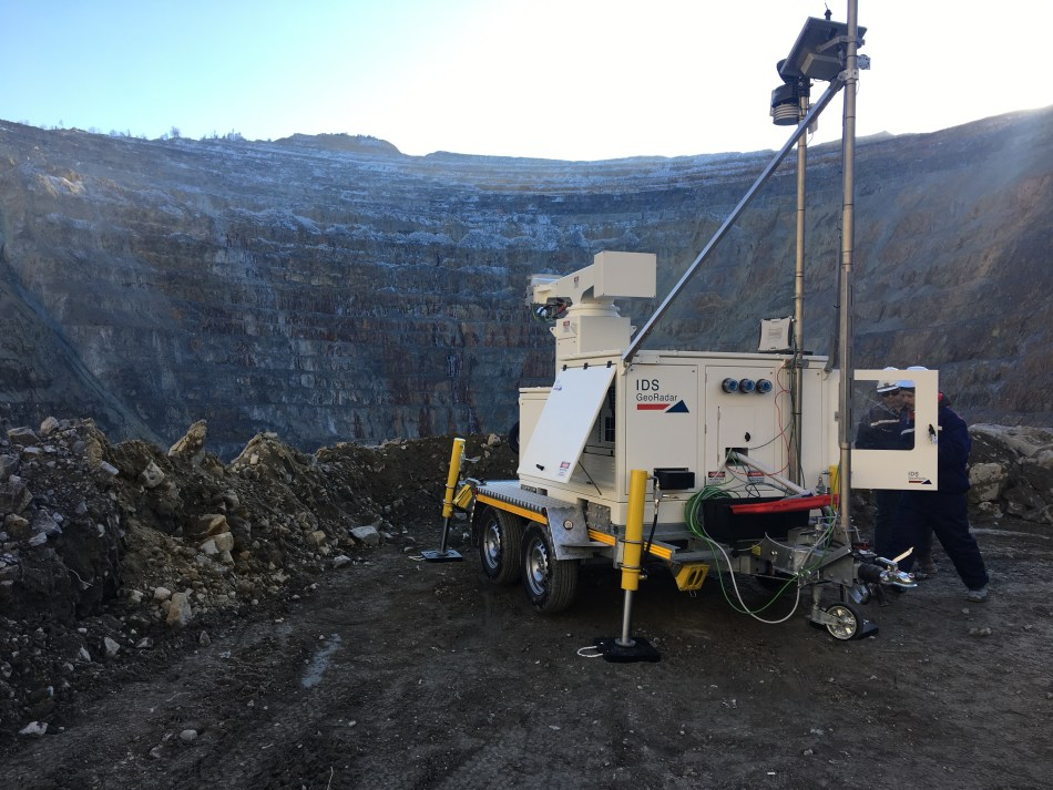 Integrating slope monitoring and collision avoidance technologies in a single ecosystem allows alerts to be sent autonomously to managers and operators if the risk level increases in certain areas of a mine site. Image: Hexagon