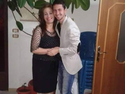 Houssam Nour e sua mãe.