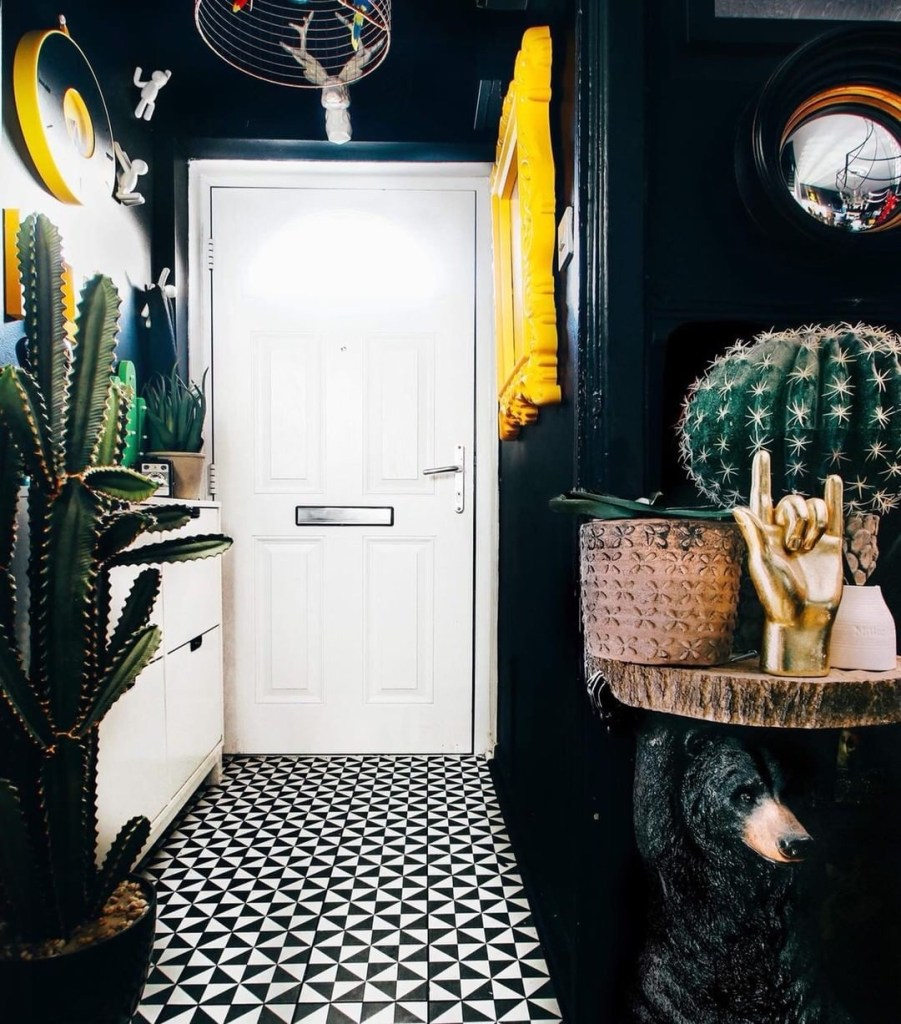 Style Up Your Hallways! Hallway styling inspiration from Pati Robins of her Eclectic dark small hallway.