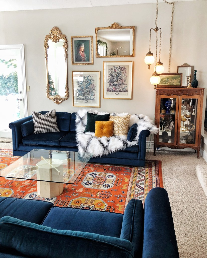 An Eclectic '70s Home Filled With Vintage Finds - Jenasie Earl | Vintage finds create a living room space full of character and the unique.