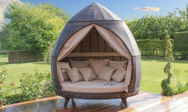 The Latest Garden Furniture From Fishpools | BELIZE Daybed Brown Rattan Garden Set - For lazy summer days this daybed is a great piece for larger gardens and is made from durable materials.