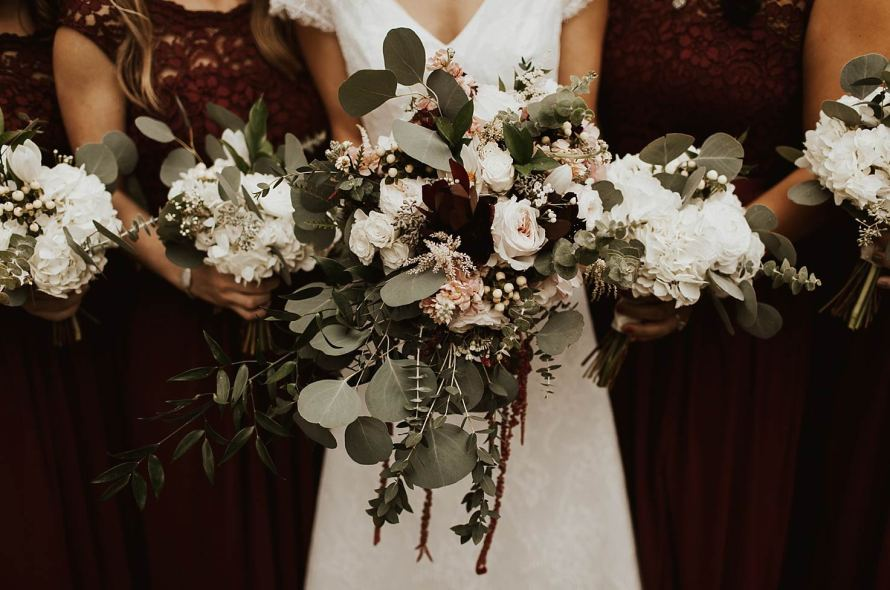Average Costs for Each Wedding Vendor - The Internet\'s Maid of Honor