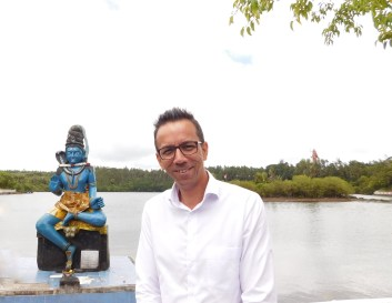 Finding inner peace with Patrice at the Grand Bassin Sacred Lake