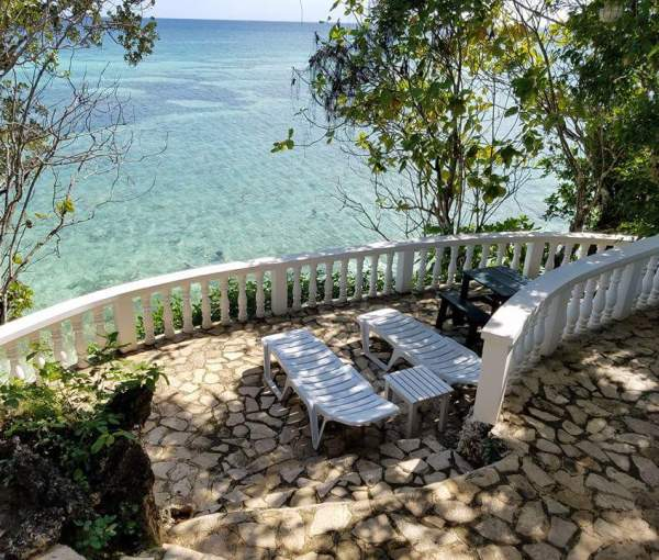 Why you need to add Anda to your Bohol itinerary and a review on Casa Amihan, the perfect lodging to make as your Anda homebase!