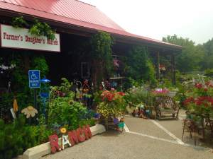 our Hiawatha experience began at one of eastern Iowa's most unique shop's and restaurant's. The Farmer's Daughter's Market! http://www.fdmarket.com/