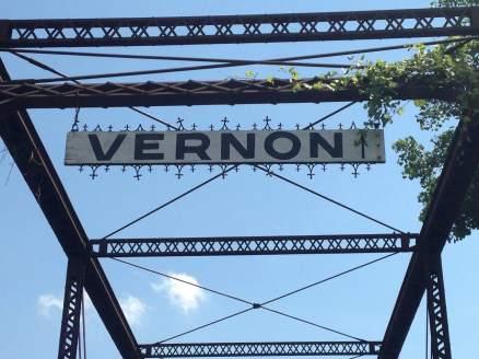This way to Vernon, IA!