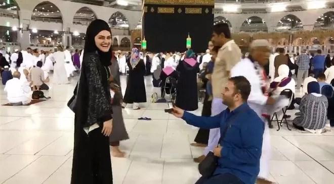 Turkish Marriage proposal kaaba