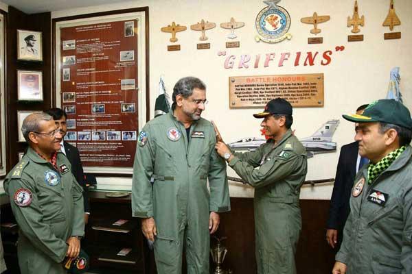 Shahid Khaqan Abbasi fly F16 (6)