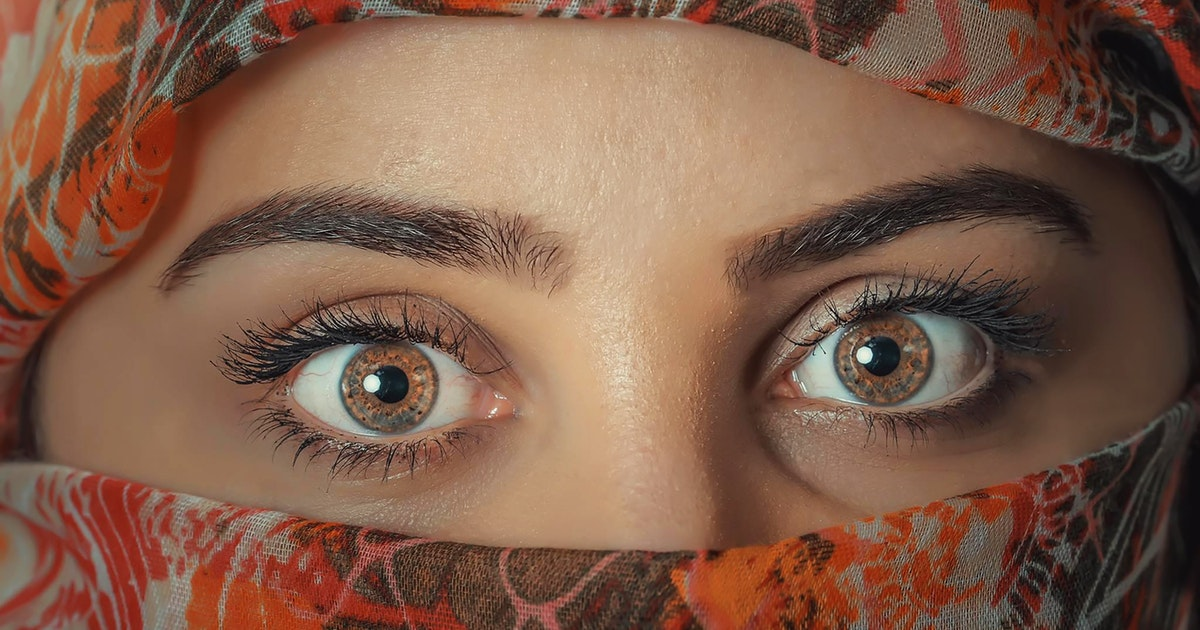Views Of Islam On Plucking And Shaping Of Eyebrows