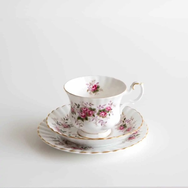 Vintage Tea Sets, Island, Collection, hire, waiheke, event, wedding, high tea, dessert,