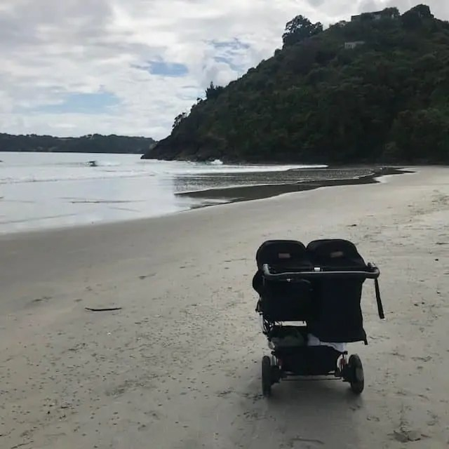 Onetangi Pram Children