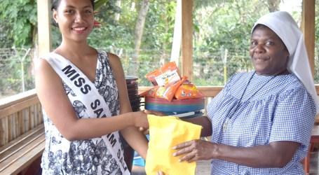 Miss Samlimsan donates to Christian Care Centre
