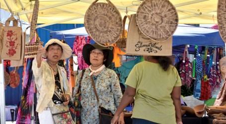 Japanese friends experience Solomon Islands culture