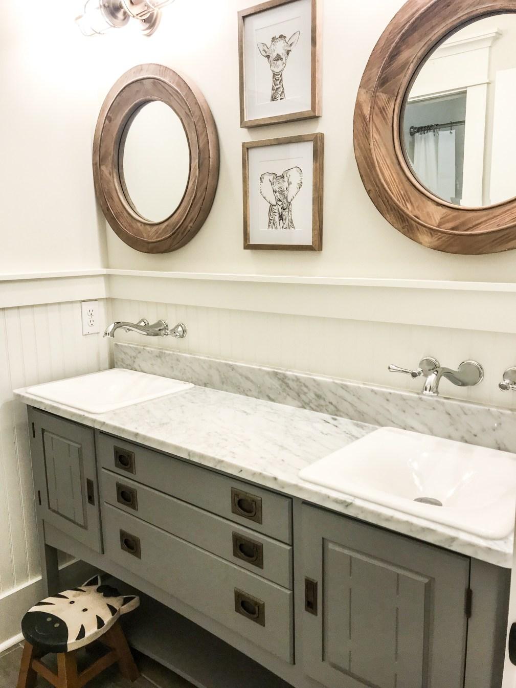 kids-bathroom-vanity