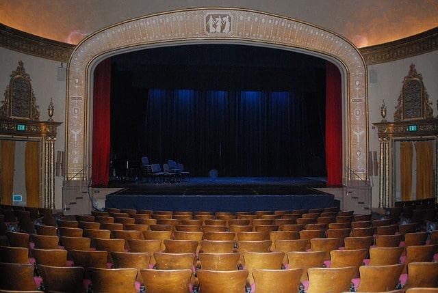theatre-813305_640