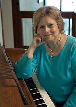 Joann Kuleza, Pianist