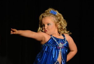 """Exclusive - Alana Thompson Competes in """"The Sparkle & Shine Pageant"""""""
