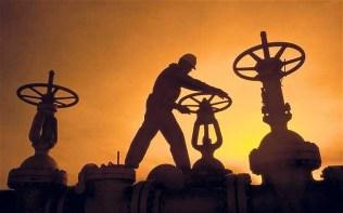GT-oilworker20_2725655b