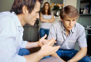 20100609-parents-talk-teen-son-300x205