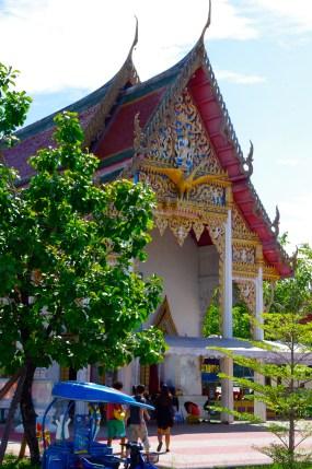 Wat visit next to Amphawa Floating Market