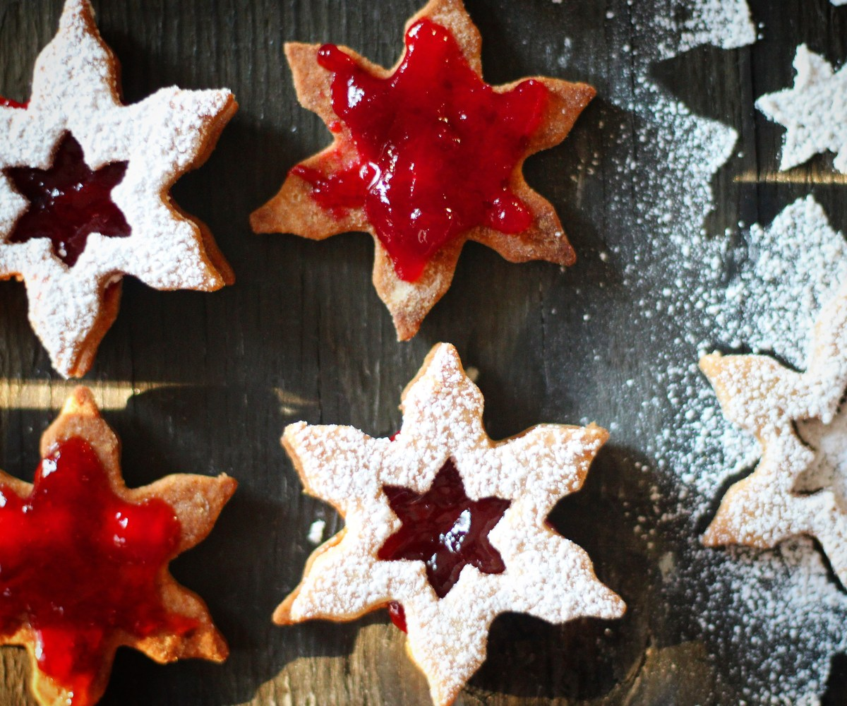 Linzer Cookies and Merry Christmas!