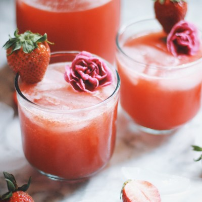 Strawberry Hibiscus Mint Sparkling Lemonade