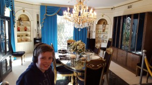 elvis-3-dining-room