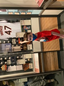 Child points to Jesse Orosco uniform in Cooperstown.