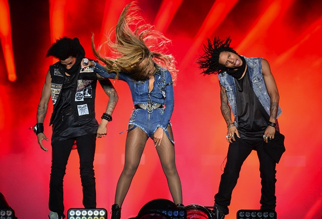 beyonce-custom-diesel-denim-jumpsuit-tour-8