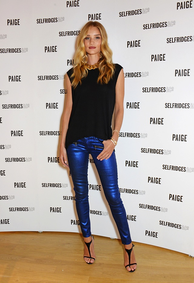rosie-huntinton-whiteley-paige-indio-blue-galaxy-the-jeans-blog-outfit