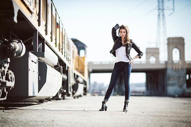 DSTLD-Skinny-Jeans-Model