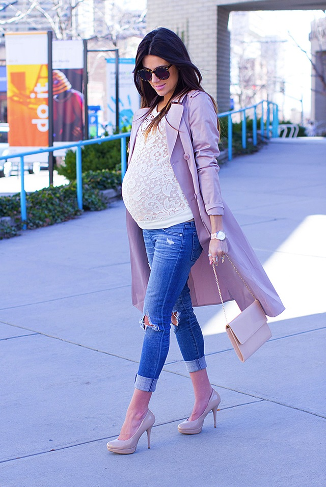 4085d5ace830c How To Look Stylish In Your Maternity Jeans | The Jeans Blog